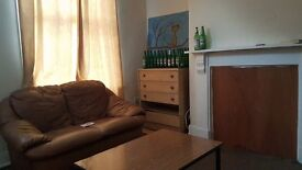 2 bedroom available in 4 bedroom house with no deposit