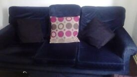 3 seater sofa - Very clean -£20
