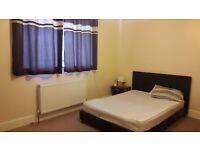 Nice Double room to let in Muslim house hold in Dagenham