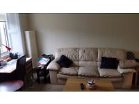 Nice room in Morningside in a 2 bedroom flat, recently refurbished
