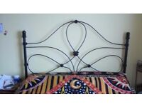BEAUTIFUL KING SIZE BED FRAME IN BLACK IRON REDUCED TO £125