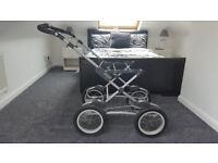 Silver Cross navy and cream pushchair/buggy/moses/car seat/raincover/cosy covers /instructions