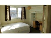 Double Room in 3 bedroom flat