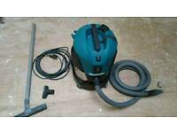 Makita dust extractor 240v