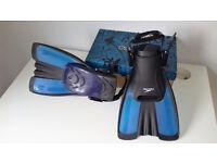 Speedy fins / blue-black colour / fit sizes 2 - 5