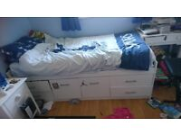 2 cabin beds,