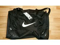 Nike large gym bag
