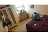 Spacious double bedroom in great location!
