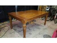 Oak Dining Table and 6 Chais