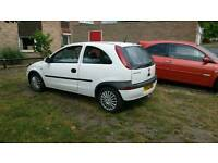 Vauxhall corsa 1.0 white.Very clean. Great 1st car ?