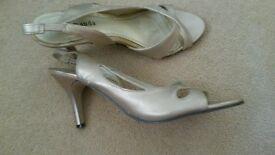 gold sandals uk6