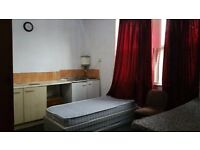 1 Large Double bedroom, furnished, bills included, wifi available