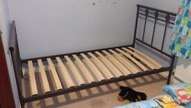 Metal frame single bed