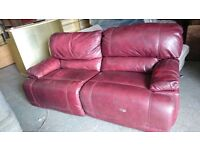 GORGEOUS LEATHER SOFA PRE-Owned GOOD CONDITION