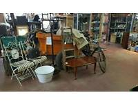 Vintage dealers units to let in large vintage centre