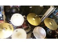 CB full kit. Cymbals and stand included