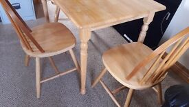 Small kitchen table and 3 chairs for sale, good condition