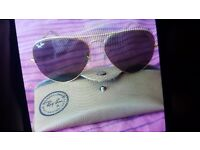 Woman sumglasses ray bans good condition for sale
