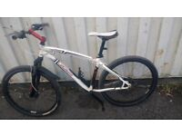 BIKE SPECIALIZED HARDROCK MOUNTAIN BIKE DOUBLE DISC BRAKES 21 SPEED 26 INCH WHEEL AVAILABLE FOR SALE