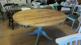Oval pine top table