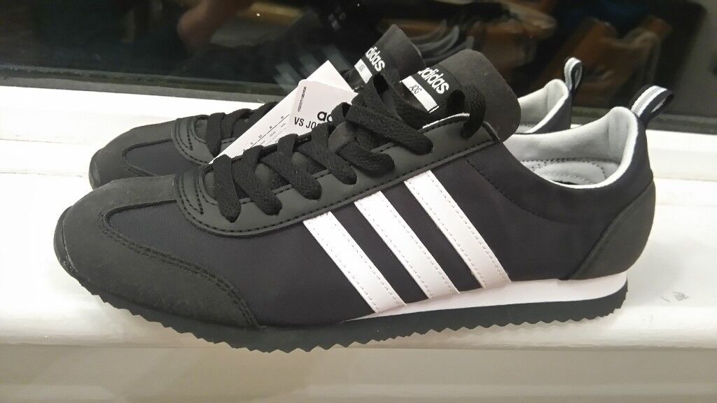 11a4acd8f ADIDAS JOG BLACK- A CLASSIC ADIDAS MODEL - UK 7-1 2