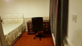 Large Double Room In Huntingdon For Working People