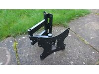 Heavy Duty Monitor Cantilever Wall Mount Bracket