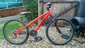 Kids Scott Jr 24 mountain bike/ Shop condition.