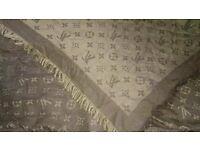 Louis Vuitton Paris cachemire monogram scarf