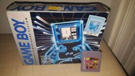 Nintendo Game boy with 32 in 1 game