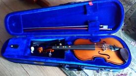 1/4 violin and case