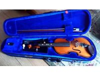 1/4 violin and case