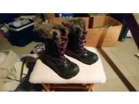 Size 7 Karrimor snow boots
