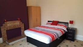 IF YOU REFER A FRIEND THEN YOU PAY NO FEES AND NO 1ST MONTHS RENT-ROOMS TO RENT-PERFECT FOR STUDENTS