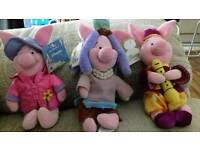 3 Disney Piglets.