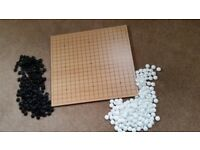Top Quality Game of GO Wood board 42cm x 46cm MINT cond. beautiful ceramic/ glass Biconvex stones