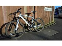 Modern high quality Mountain bike, suspension, disc brakes, lightweight alloy cycle mint condition