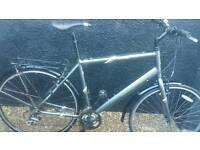 Man's mongoose hybrid bike