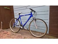 Claude butler urban 300 lightweight alloy bike hybrid cycle front suspension works perfectly