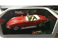 Jaguar E type cabriolet die cast burago model red new