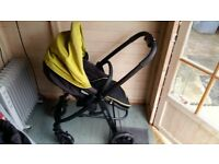 Graco 3 in 1 Travel System pram with wheels, car seat, adapter, carry cot and pushchair