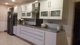 A Complete kitchen with appliances!