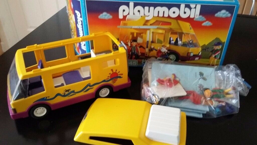 Playmobil 3945 camper van boxed with instructions