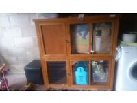 Two tiered rabbit hutch