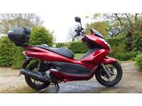 Honda PCX125 2014 Low mileage. Excellent condition