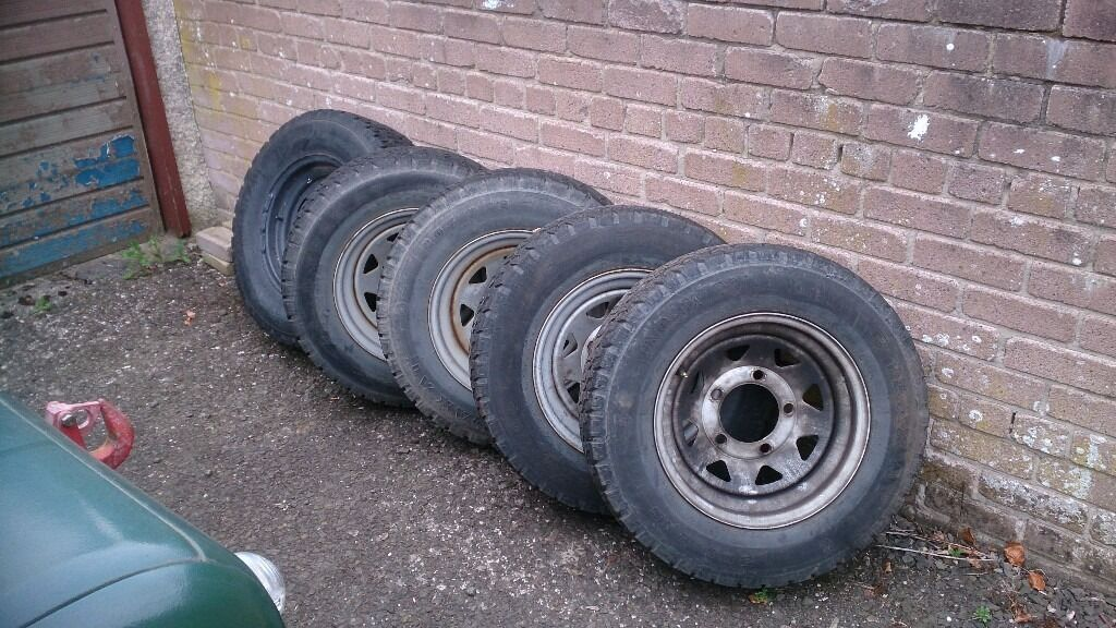 5 Weller 16 inch rims with tyres off of series landrover