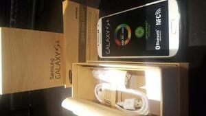 Cellphone Samsung Galaxy S4 blanc NEUF ET UNLOCK