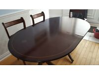 Mahogany extending dining Table & 6 chairs inc 2 carvers