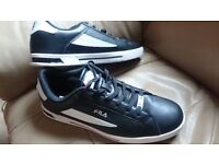 Black and white Fila Mens trainers size 10.5