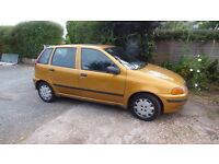 PART EXCHANGE BARGAIN, BRIGHT LITTLE FIVE DOOR PUNTO 1.2 FINISHED IN AZTEC GOLD,